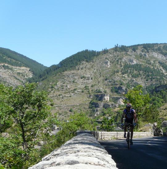 montée depuis Ste Enimie vers Méyrueis (lozère)