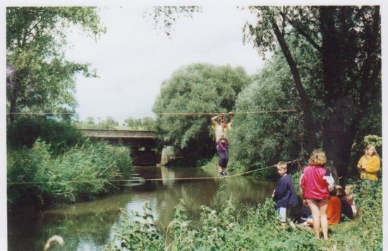 pont de singe rivière