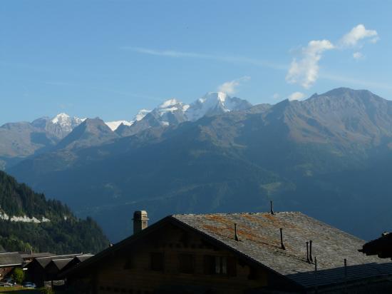 Le massif du gd Paradis en montant à Verbier (Suisse)