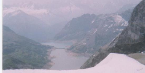 Lac d' Emosson sous le Ruan