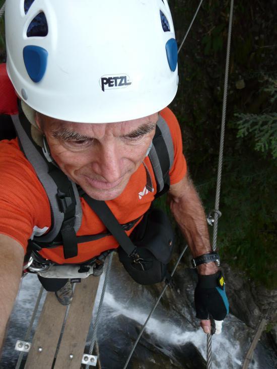 au dessus de la cascade-Champéry-2009