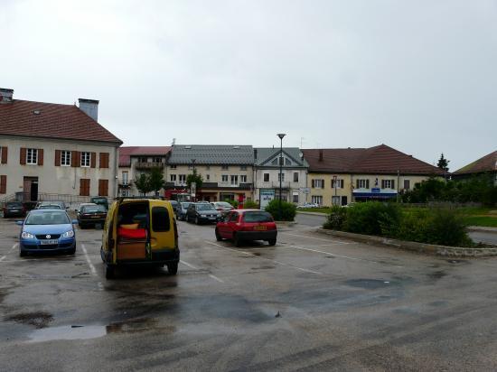 stationnementSt Laurent en Grandvaux-Jura