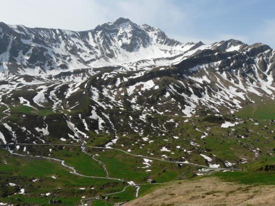 La route du Cormet de Roselend et le massif du Beaufortin