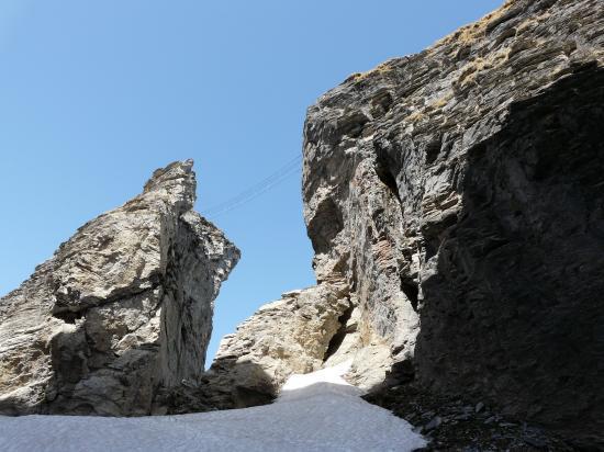 Les tours du roc du vent et le pont de singe de la via ferrata
