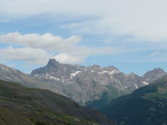 Du col de la Bonette, le Ténibre haut sommet de la randonnée des lacs !