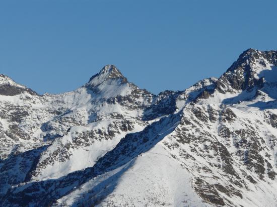 Le Ténibre  dans sa tenue hiver (haute Tinée)-06