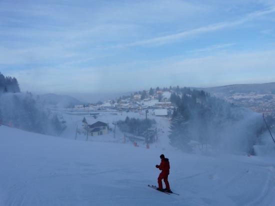 Les canons à neige s'en donnent à coeur joie! ... pas forcément les skieurs!