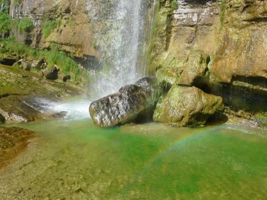 la chute de la grande cascade de l' Oule