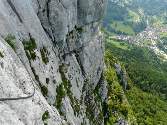 Le passage de la poutre à roche Veyrand, Saint Pierre d ' Entremont en bas !
