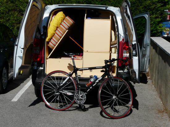 préparation du vélo à Bédouin