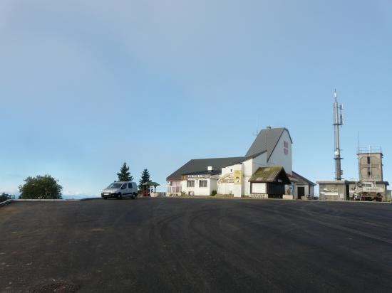 Bivouac en haut de la montée du Revard (Bauges)