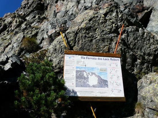 panneau de départ de la via des lacs Robert