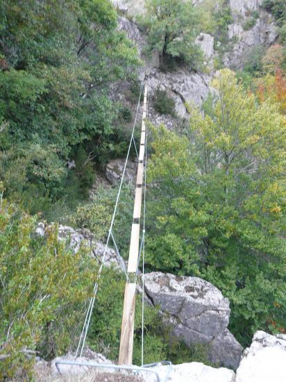 la seconde passerelle de la via de Rousses (48)