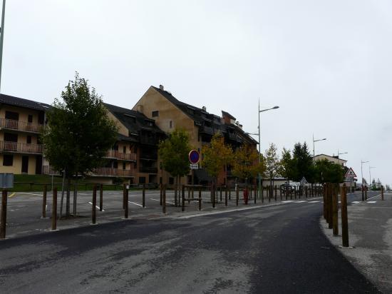 Ax les 3 domaines, quelques maisons à taille raisonnables ...
