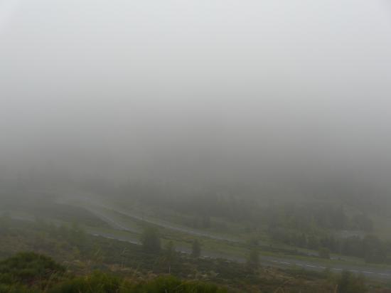 Bon, pas d' autre chose à voir dans cette montée dans le brouillard !