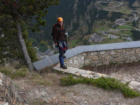 Sur la  murette du mirador du Roc del Quer au dessus de Canigo (Andorre)