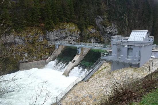 Le barrage edf du refrain ( sur le doubs)(25)