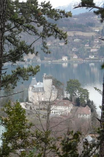 le chateau de la presqu''île de Duingt