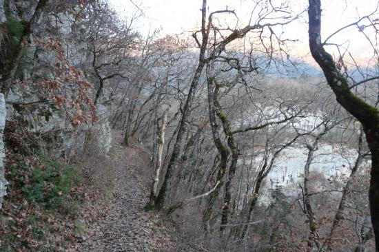 amorce du chemin de descente vers les cascades