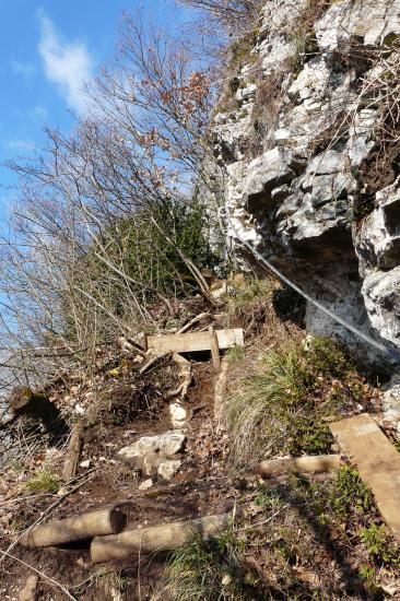 sortie de la via ferrata à proximité des remparts de fort l' écluse