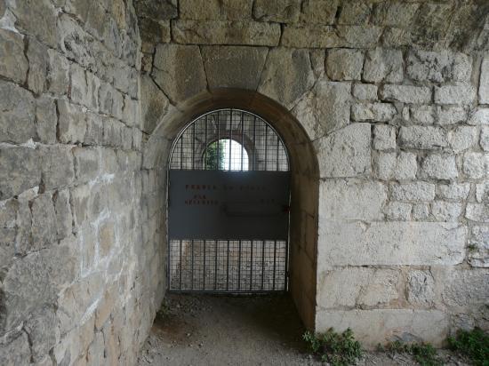 la porte de sortie de la via de la bastille à Grenoble