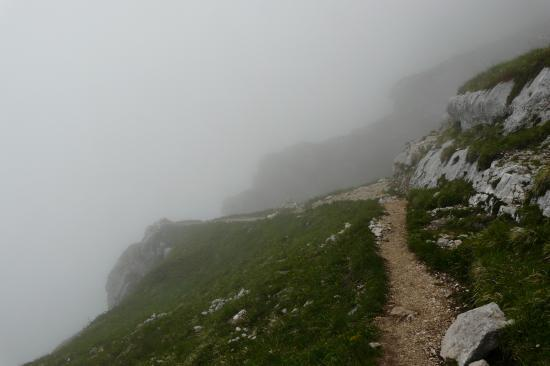 descente de la dent de Crolles dans le brouillard
