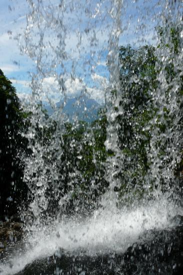 derrière la cascade de la Doria