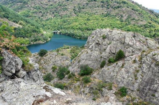 la tyrolienne de villefort (lozère) vue du sommet de la via