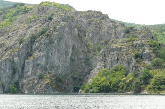 via de Castanet - lac de Villefort - lozère - vue d' ensemble