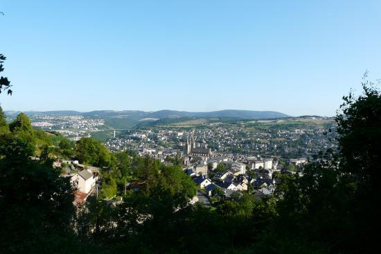 la ville de Mende depuis la montée jalabert (lozère)