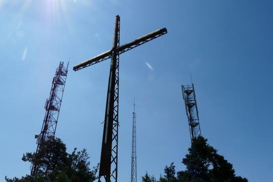 débauche de pylones en tout genre à Roqueprins- la Canourgue