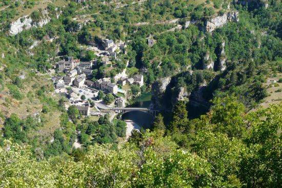 Superbe village dans les gorges du tarn (St Chély du Tarn)
