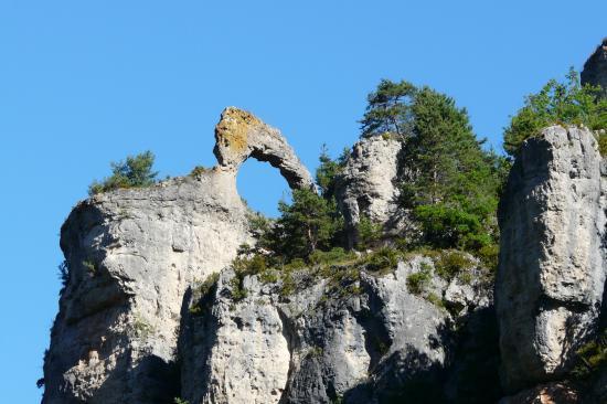 l' arche dans les gorges de la Jonte depuis Meyrueis