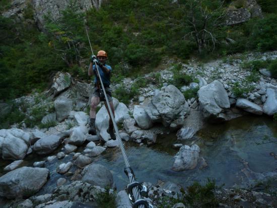 la seconde tyrolienne de Rousses (parcours facile