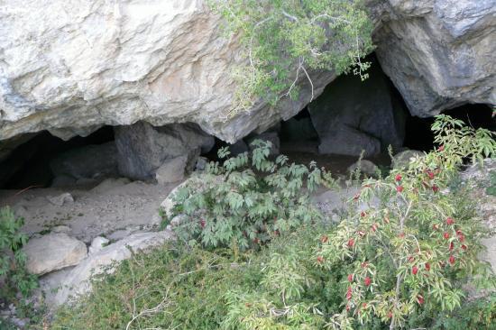 entrée de la grotte dans la via de Poingt Ravier