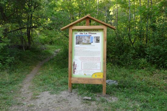 Panneau d'info de la cascade de la Pisse à Mizoen