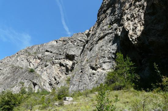 la combe de descente de la via de la cascade de la Pisse à Mizoen vue du bas
