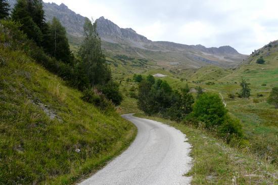 la route vers le col du Sabot (premier tiers)