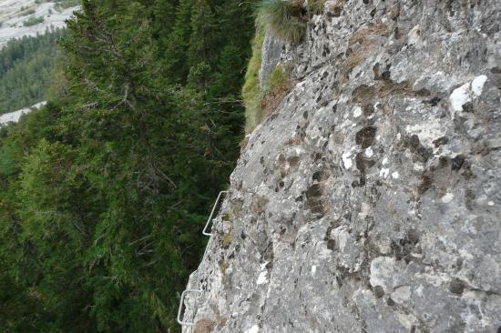 à la sortie du second pilier vue du dessus
