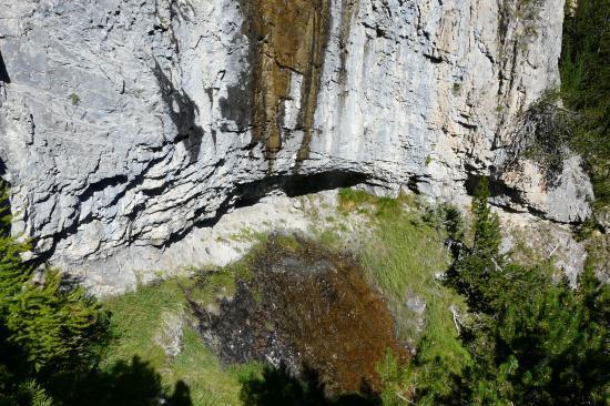 la chute d'eau (!) de la cascade (?)