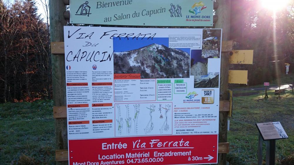 panneau d'info de la via ferrata du Capucin