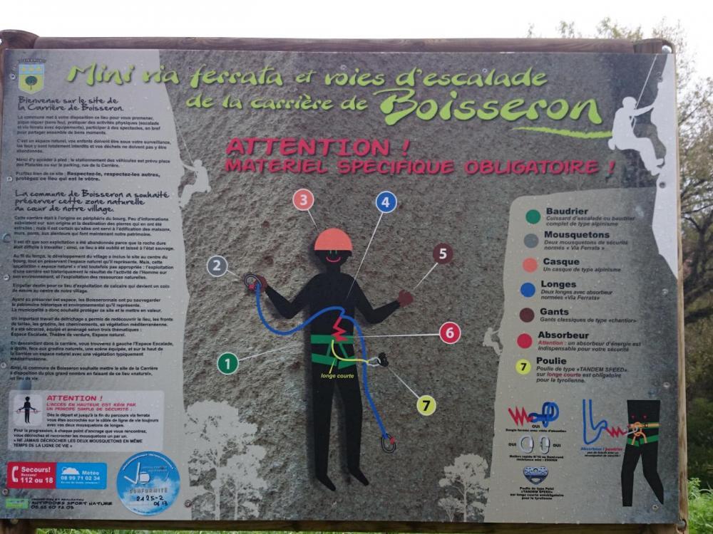 panneau d'information de la via ferrata de Boisseron