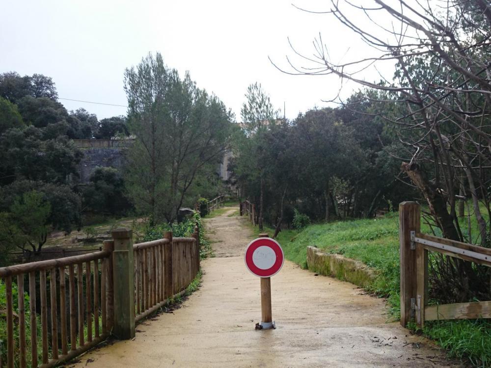 Chemin d' accès à la via ferrata de Boisseron