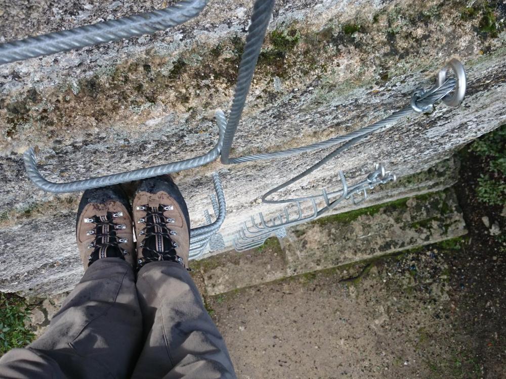 petit mur de 5 m pour commencer - via de Boisseron