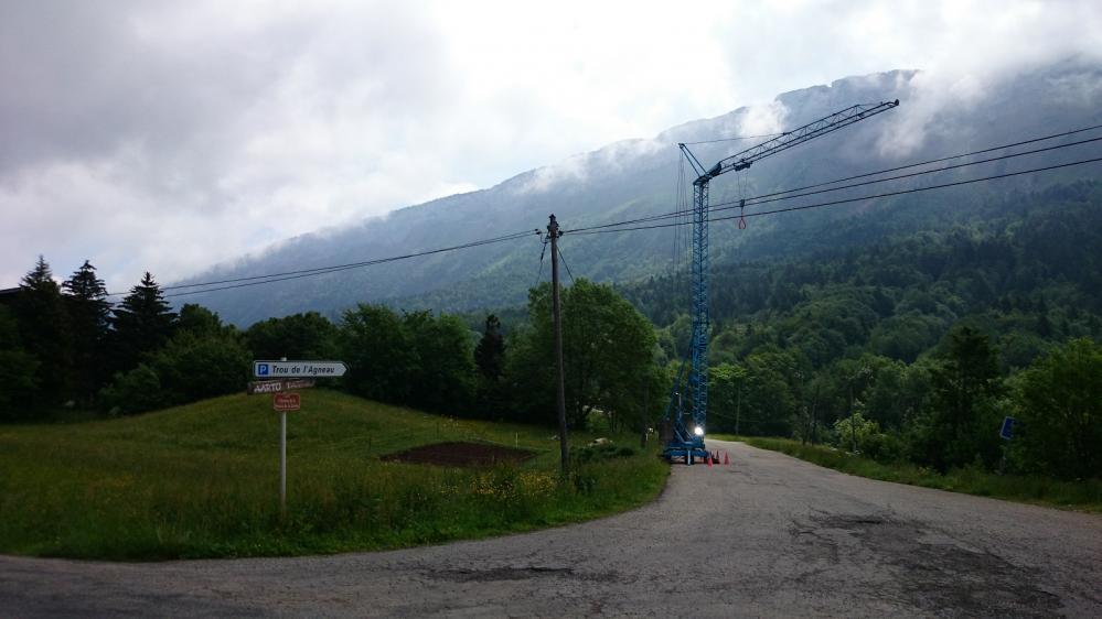 Le trou de l' agneau en haut sur le mont Margeriaz