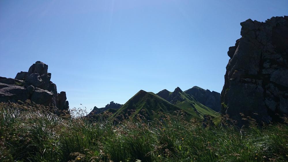 Dans les rochers qui précède l' arrivée au Puy de Sancy