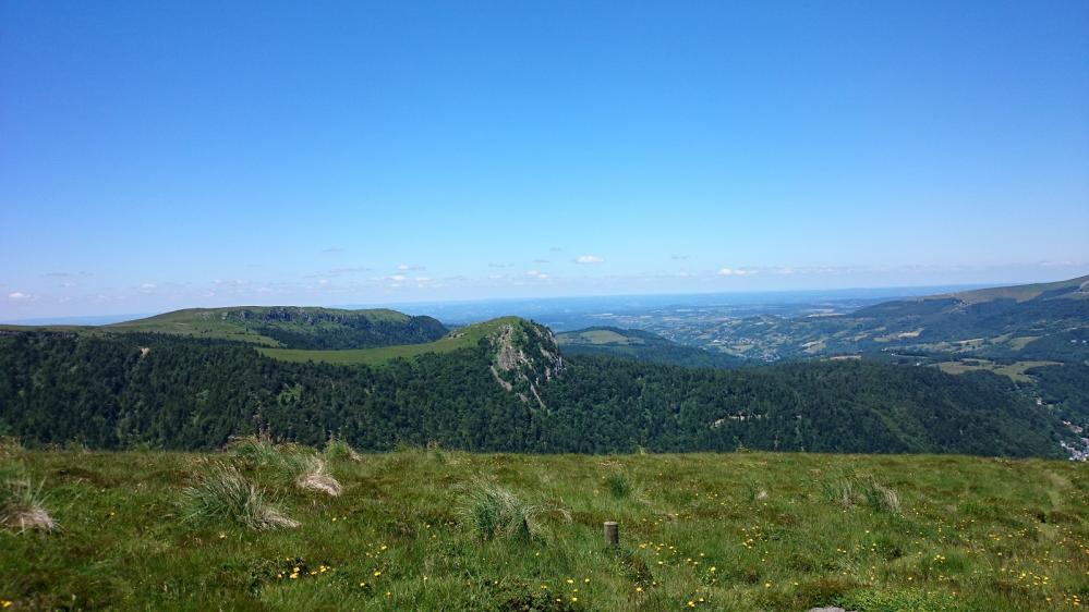 Depuis le roc de Cuzeau vue sur le rocher du Capucin (via ferrata)