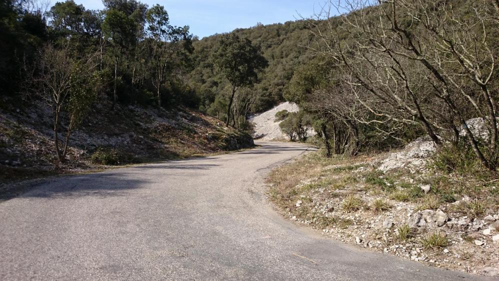 Belle descente sinueuse vers l' Hérault