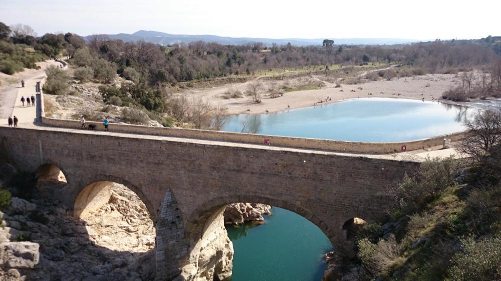 Pont sur l' Herault après st Guilhem le Desert