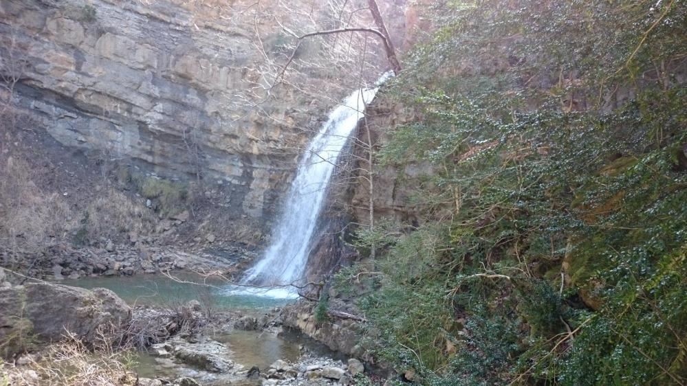 Visite rapide de la cascade des Mathieux en contrebas du GR